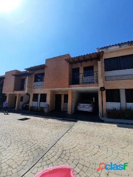 En venta Bellísimo y cómodo Townhouse en Monte Líbano 165m2 - Mañongo