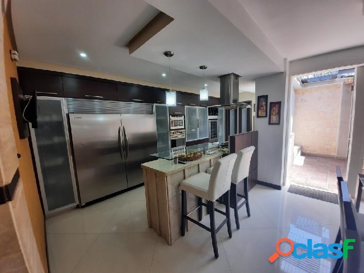 En venta Bellísimo y cómodo Townhouse en Monte Líbano 165m2 - Mañongo 1