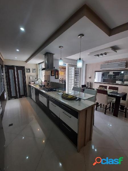 En venta Bellísimo y cómodo Townhouse en Monte Líbano 165m2 - Mañongo 2