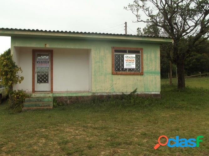 Sítio rural com 2 hectares, casa alvenaria 70m², lombas, viamão
