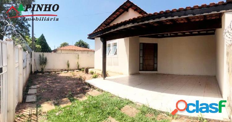 Casa localizada no Bairro Jardim Botânico 2