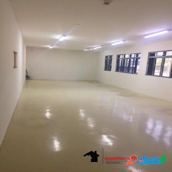 Galpão comercial para locação com 2.800 m²