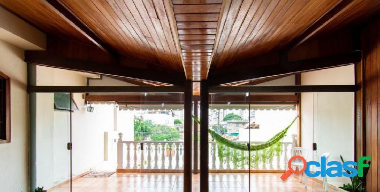 Casa 03 quartos bairro santa tereza