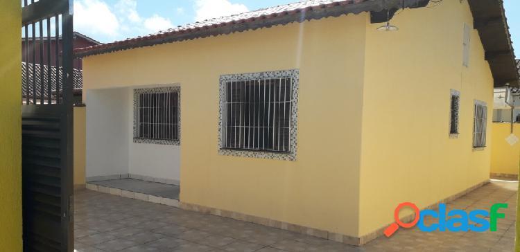 Casa ampla em ótimo estado de conservação 2 dormitórios itanhaém s/p
