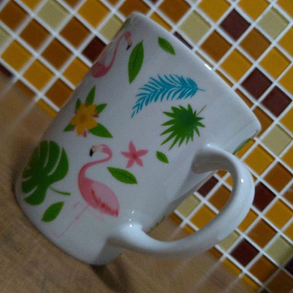 Caneca 275ml elegante ideal para chá da tarde