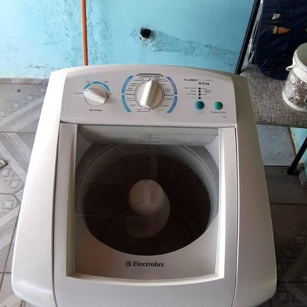 Máquina de lavar roupa eletrolux - lte09