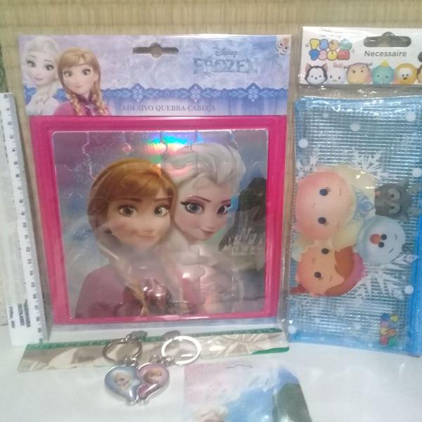 Kit frozen - adesivo quebra-cabeca, nécessaire e chaveiro