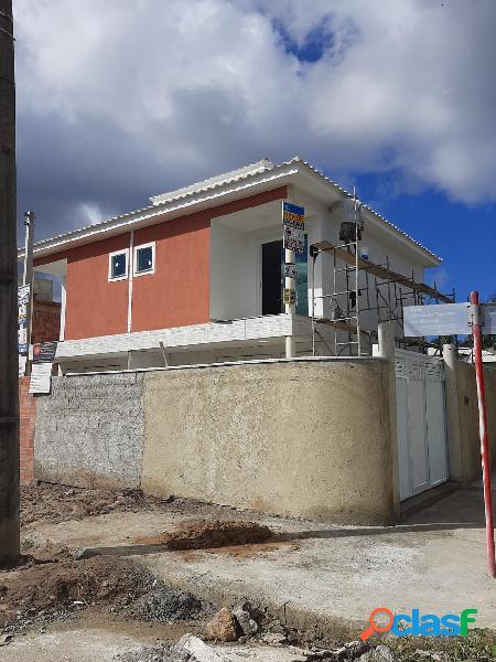 Lindo duplex de fino acabamento com 2 quartos em itaipuaçu!!