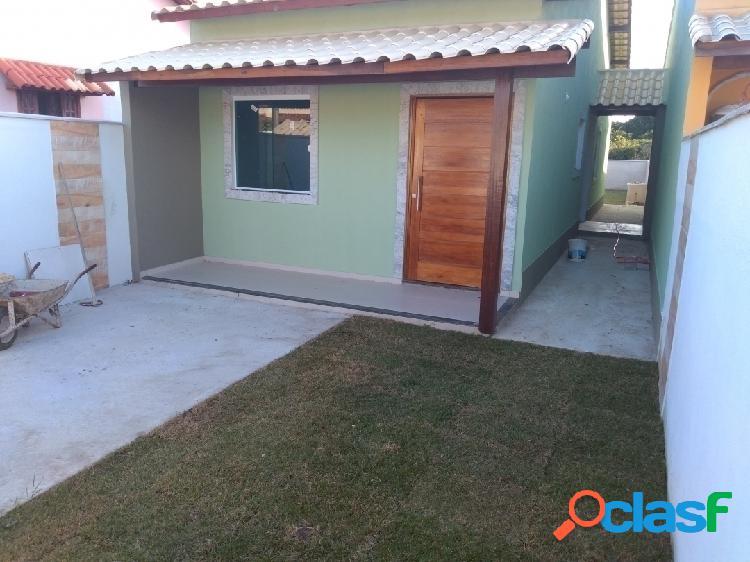 Linda casa em fino acabamento com 2 quartos perto da praia em itaipuaçu!!