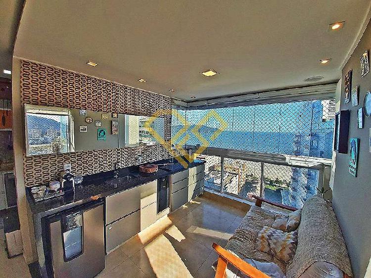 Apartamento duplex decorado com vista mar na pompéia
