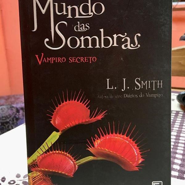 Livro mundo das sombras: vampiro secreto
