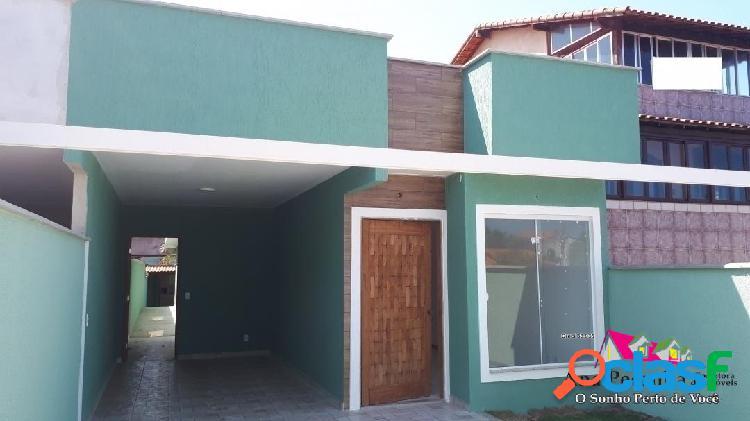 Casa à venda, 3 dormitórios a 1 quadra da praia de itaipuaçú!