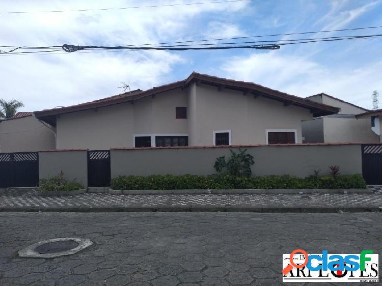 Casa 02 dormitórios de esquina mongaguá