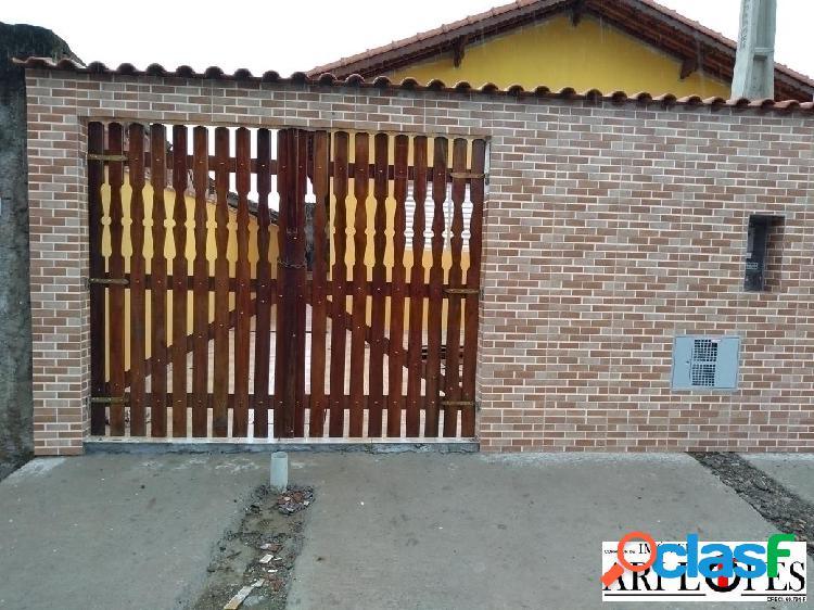 Casa nova com suíte em mongaguá