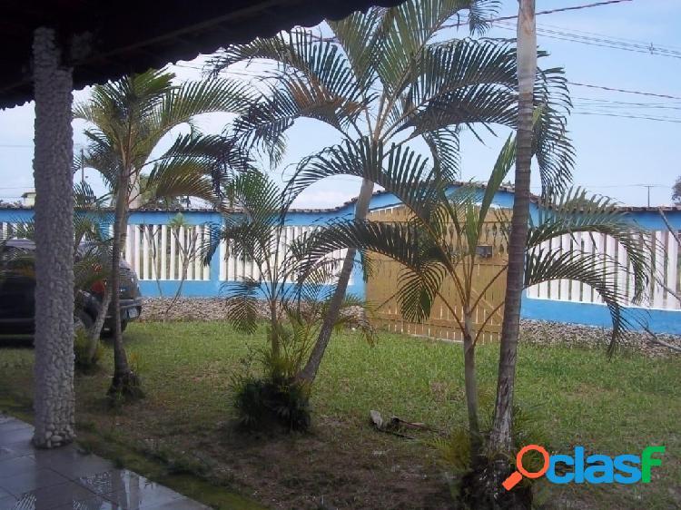 Casa 2 dormitórios bairro vila loty em itanhaém