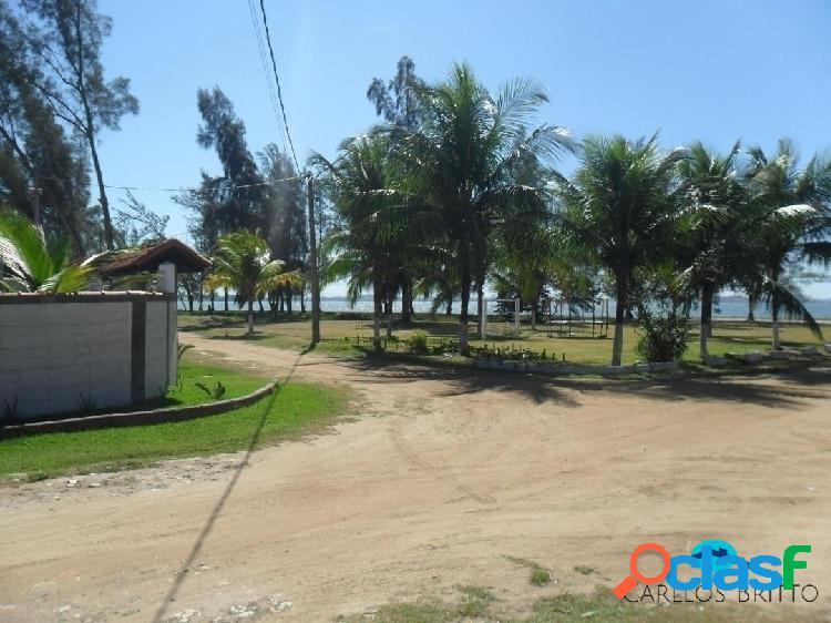 Excelente terreno de esquina c/5 lotes c/1800 m2 a 30 m da orla da lagoa