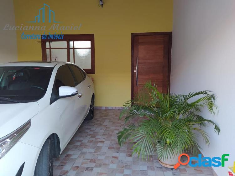 Casa 02 dormitórios com suíte área gourmet ampla com churrasqueira, 2 vagas