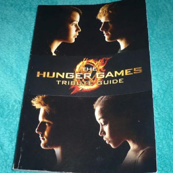 Livro hunger games tribute guide. em ingles. 128 paginas.