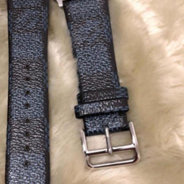 Kit com 2 pulseiras louis vuitton monogram marrom e damier
