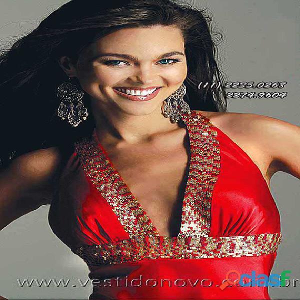 Vestido vermelho com dourado, formatura
