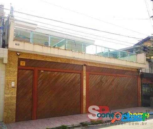 Sobrado de 300 m², 4 dormitórios e 6 vagas em sítio morro grande