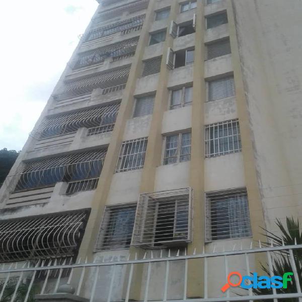 Venta de amplio apartamento en urbanización prebo. baja a 34.000