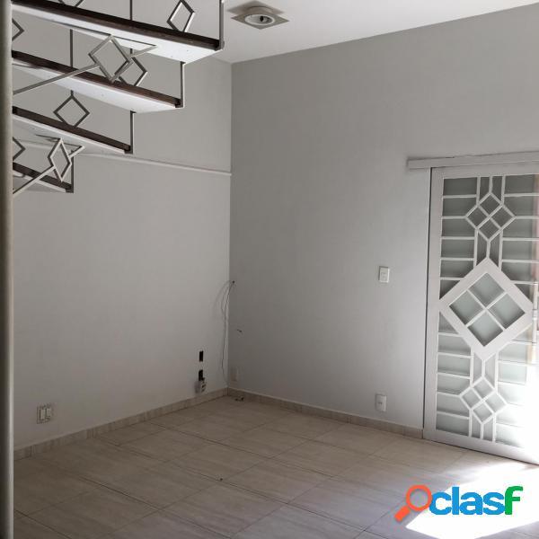 Casa com 3 dorms em botucatu - centro por 1.5 milhões à venda