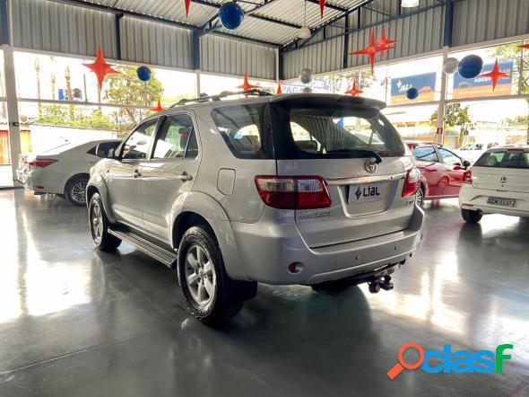 Toyota hilux sw4 srv d4-d 4x4 3.0 tdi dies. aut prata 2011 3.0 diesel