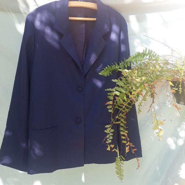 Blazer azul marinho, sem nem uma avaria, veste m é g
