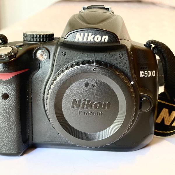 Máquina fotográfica semi profissional nikon d5000