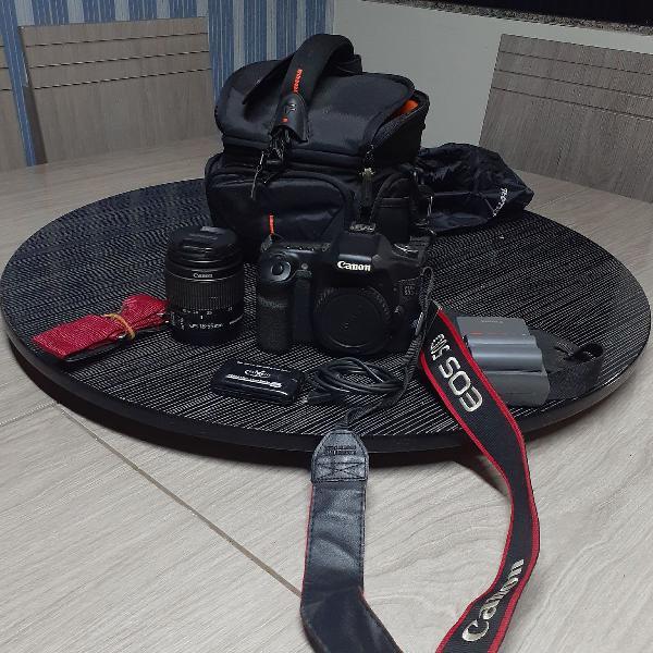 Máquina fotográfica profissional canon