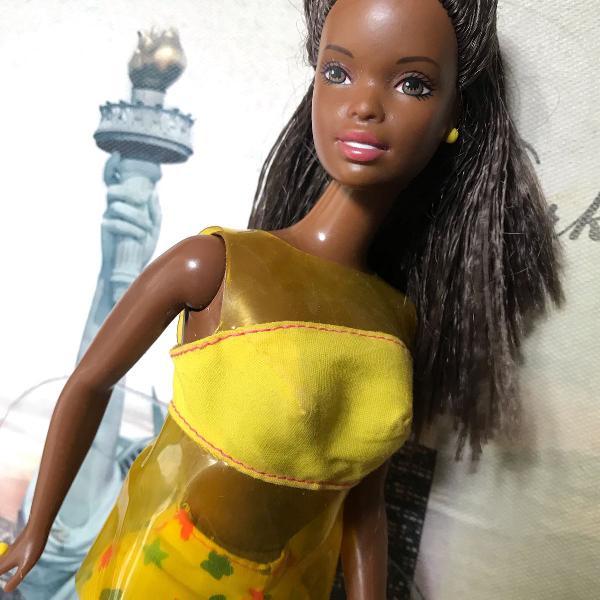 Barbie 1999 - negra, muito linda e em excelente estado
