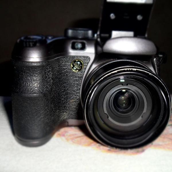 Camera fotográfica semi profissional