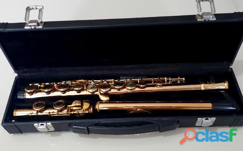 flauta transversal em dó dourada