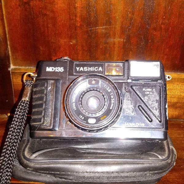 Máquina fotografica yashica