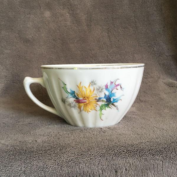 Xícara grande vintage porcelana mauá