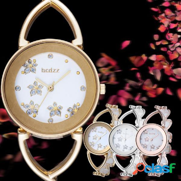 Relógio de pulso de mulheres elegantes na moda love padrão pulseira hollow strap quartz watch