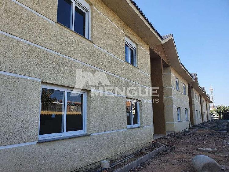 Casa em condominio a venda com 3 dormitórios e 2 vagas de