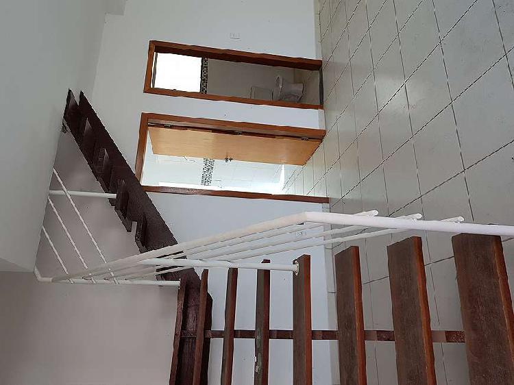 Casa para venda tem 90 metros quadrados com 3 quartos