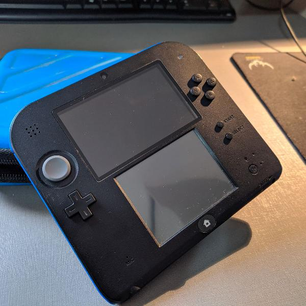 Nintendo 2ds azul/preto (usa) + jogos