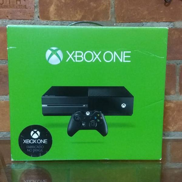 Xbox one 500gb com 6 jogos - semi novo