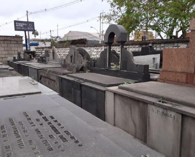Jazigo cemiterio do cajú