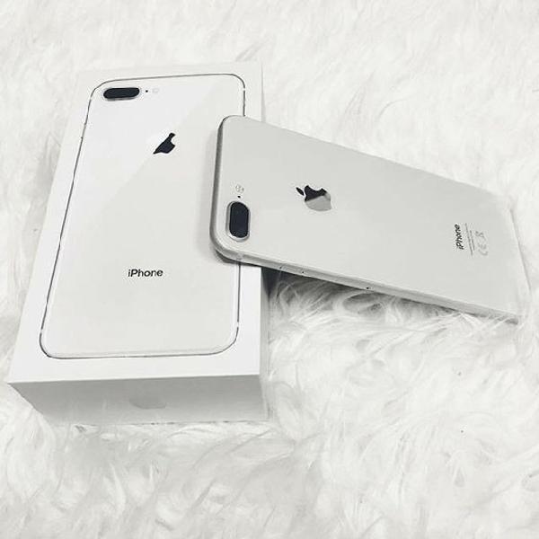 Iphone 8 plus 64g prata