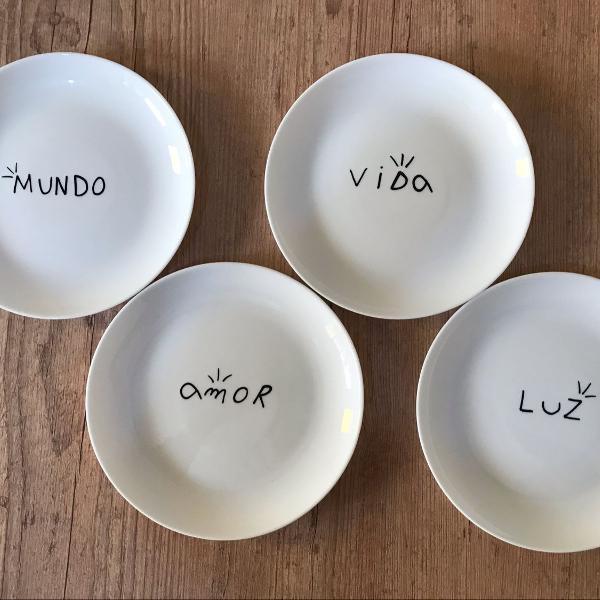 Conjunto pratos e copos personalizados
