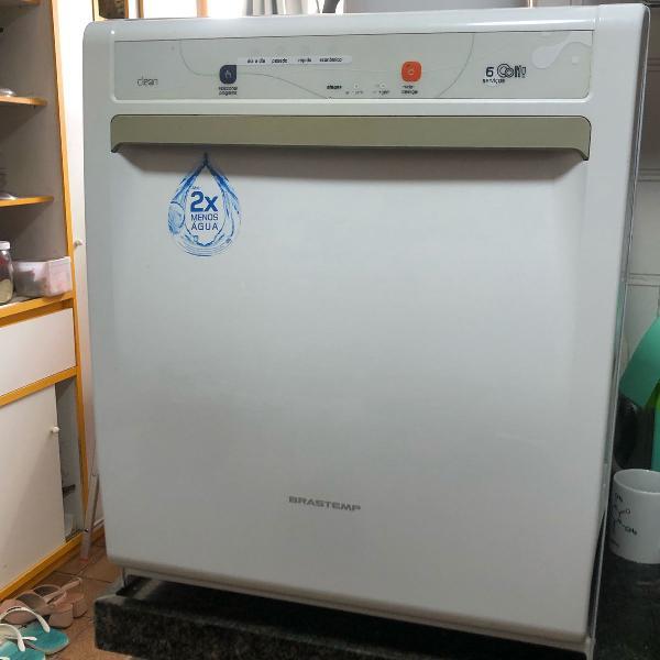 Máquina de lavar pratos brastemp