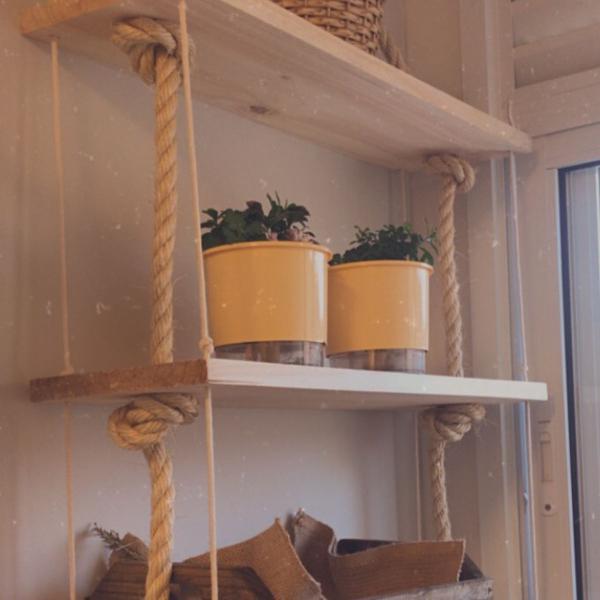 Prateleira madeira com corda
