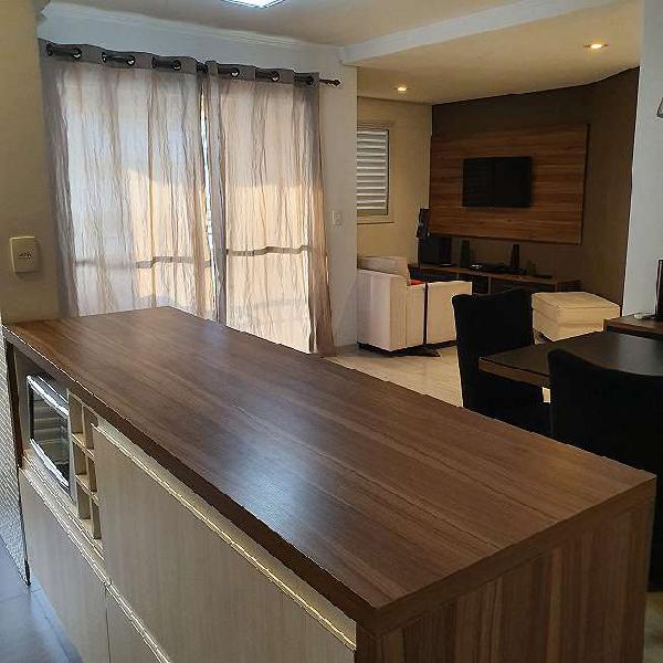 Apartamento com armários e com ótima localização!