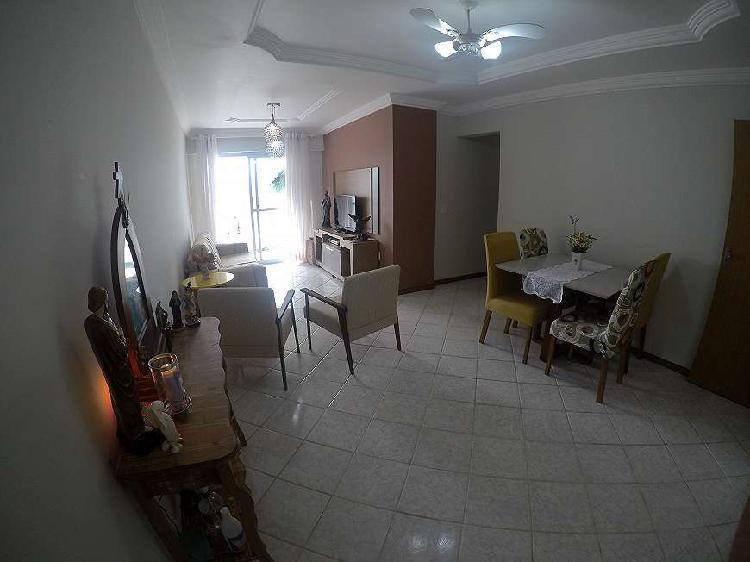 Apartamento frente para rua de 03 qts sendo uma suite 02