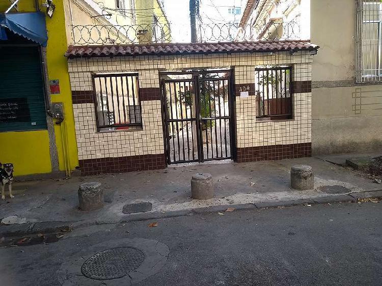 Vila/rua particular para venda tem 100 metros quadrados com