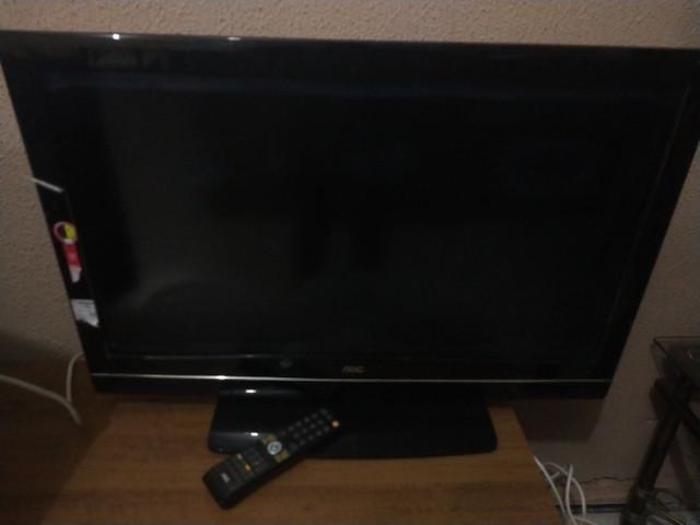 Tv aoc em ótimo estado